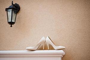 bröllop skor brud foto