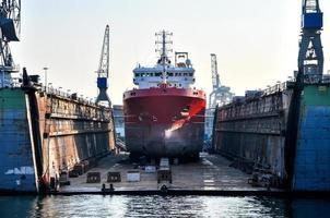 skepp i en flytande brygga foto