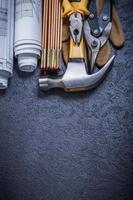 ritningar trämätare stålskärtång skyddshandskar cla foto