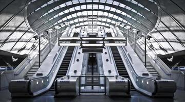 tunnelbanestation för kanariefarv foto