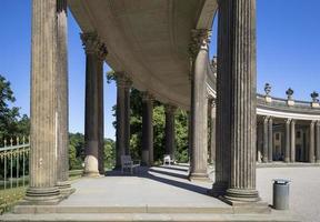 kolonnad från 1700-talet i Potsdam, Tyskland foto