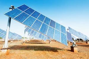 solpaneler - spårningssystem foto