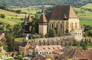 gamla saxon befäst kyrka foto