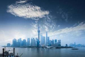 skönheten i Shanghai i gryningen foto