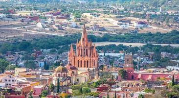 san miguel arcangel kyrka foto