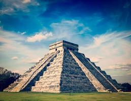 mayan pyramid i chichen-itza, mexico foto