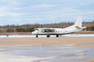 an-24 parkerad foto