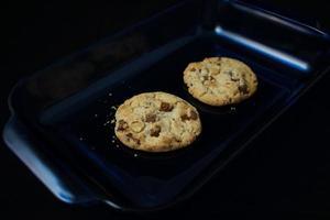 två kakor i plattan foto