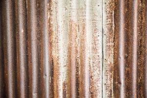 gammal metallplåtvägg foto