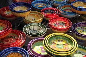 färgglada provencalska keramik foto