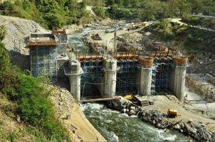 byggande av vattenkraftverk foto
