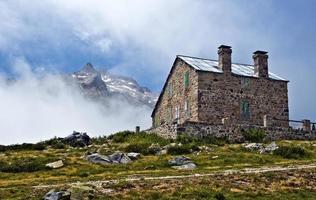 bergsflykt i neouvielle massivet av franska pyrenéer foto