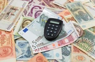 gamla ryska bankontes och euro foto