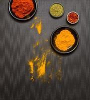 kryddor för matlagning och hälsa. foto