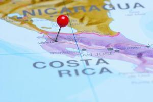 liberia fästs på en karta över Amerika foto