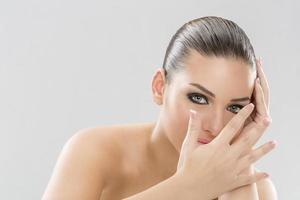 nagelvård och hudbehandling foto
