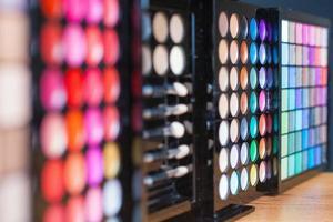 färgglad palett för modesmink foto