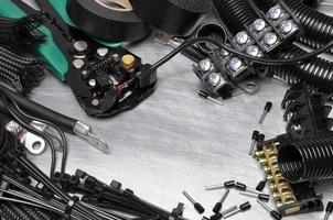 verktyg och komponentpaket för användning i elektriska installationer foto