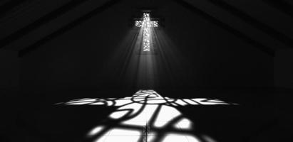 målat glasfönster krusifix svartvitt foto