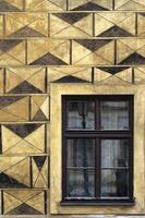 imponerande fasadvägg med fönster foto