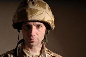 allvarlig soldat foto