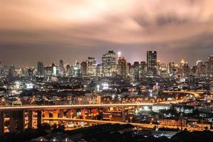 stadens röda moln foto