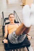 kvinna som tränar, närbild foto
