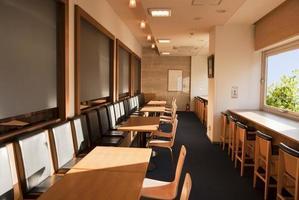 tomt kafé på eftermiddagen foto