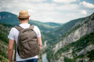 man berg vandrare foto