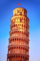 lutande tornet i Pisa foto