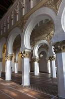 synagoge av santa maria la blanca, toledo foto