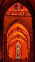 arch king ferdinand målat glas Sevilla domkyrka Spanien foto