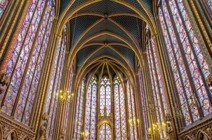 vacker interiör i sainte kapell foto