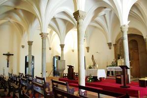 interiör i mertolakyrkan, portugal. foto