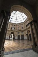 pavia (Italien): täckt torg foto