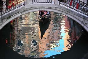 bro och gondol, Venedig, Italien