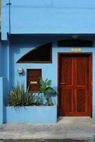 brun dörr foto