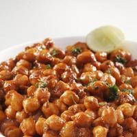närbild av chana chatt, indisk mat
