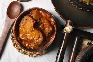 tenga - en populär maträtt från assam. foto