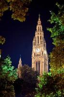 gotiska byggnadstorn i Wien stadshus foto