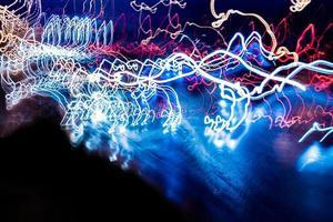 nattbelysning på motorvägen foto