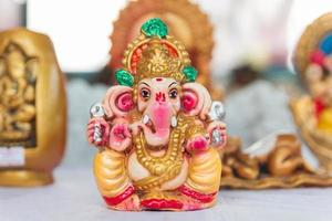 idol av hinduiska gud ganesha foto