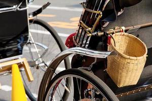 rickshaw i kyoto japan foto
