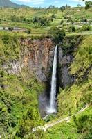 sipiso piso vattenfall foto