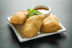 malaysisk currypuff foto