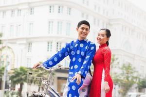 unga vietnamesiska par foto