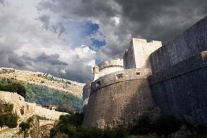 forntida väggar i Dubrovnik, Kroatien foto