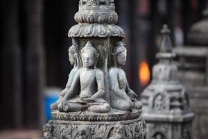 buddha staty i kathmandu stad, nepal foto