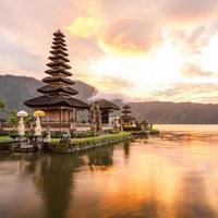 pura ulun danu bratan på Bali, Indonesien foto