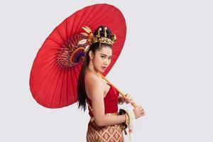 thailändsk kvinna i traditionell dräkt av Thailand foto